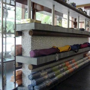 tovari-dlya-yogi-store-for-yoga-almacenar-para-el-yoga-speichern-yoga
